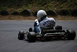 レーシングカート 画像